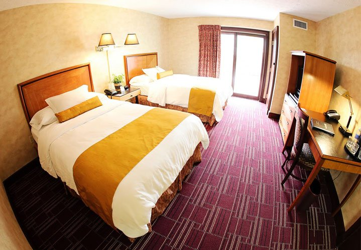 Deluxe Double room at The Bertram Inn & Conference Center in Aurora Ohio